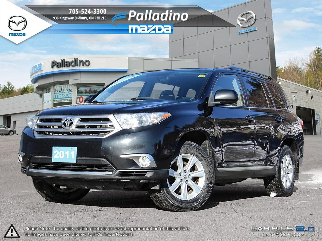 Pre-Owned 2011 Toyota Highlander V6 - BRAND NEW BRAKES- CERTIFIED-