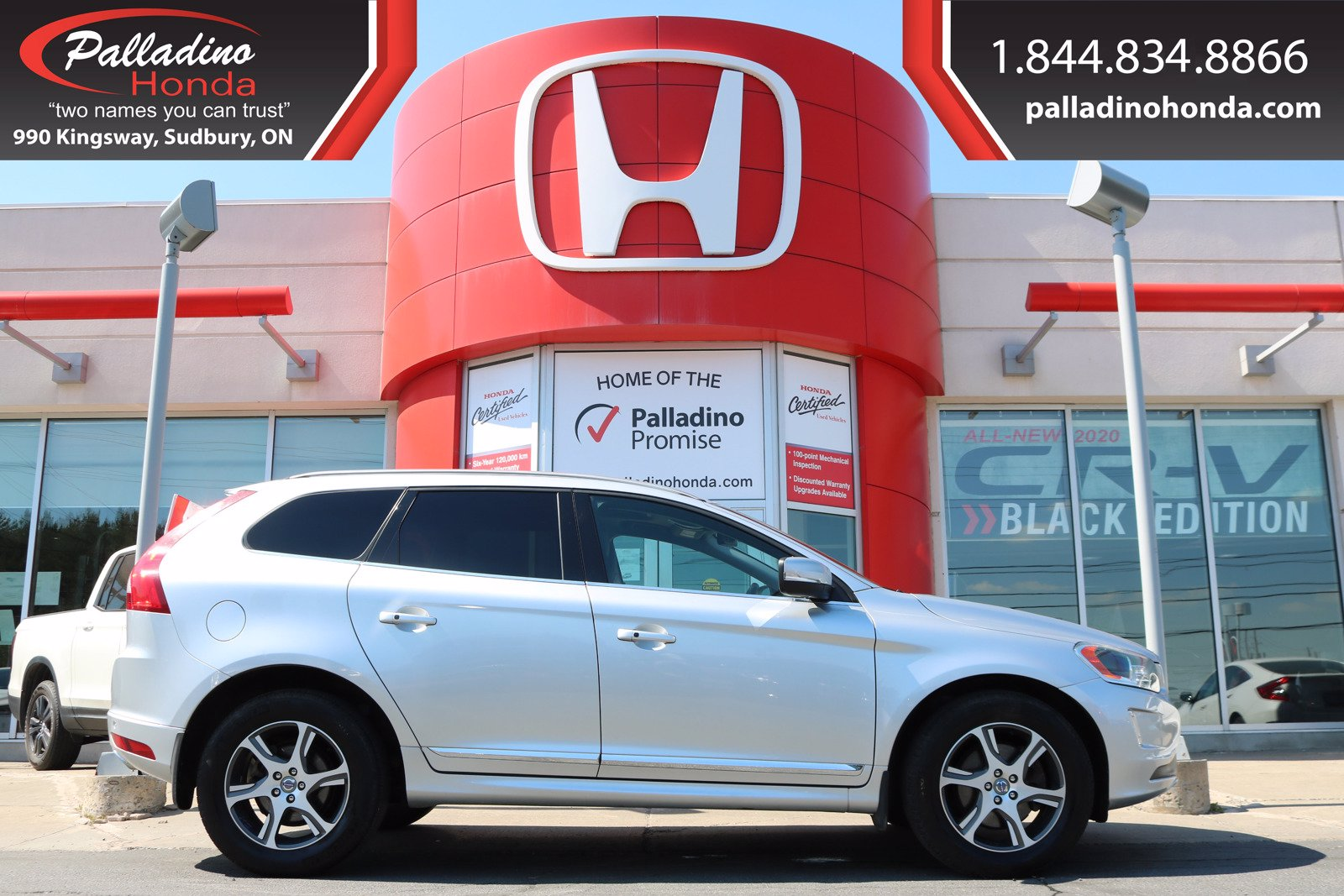 Pre-Owned 2015 Volvo XC60 T6 Premier Plus-AWD-TURBO-HEATED LEATHER SEATS